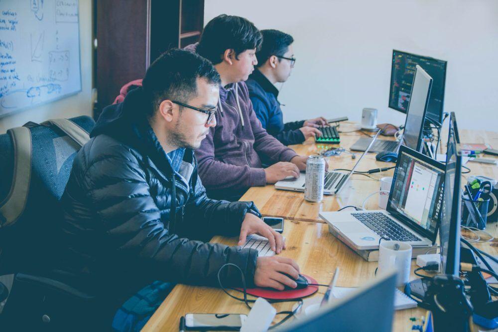 لماذا يجب على الطلاب تعلم البرمجة؟