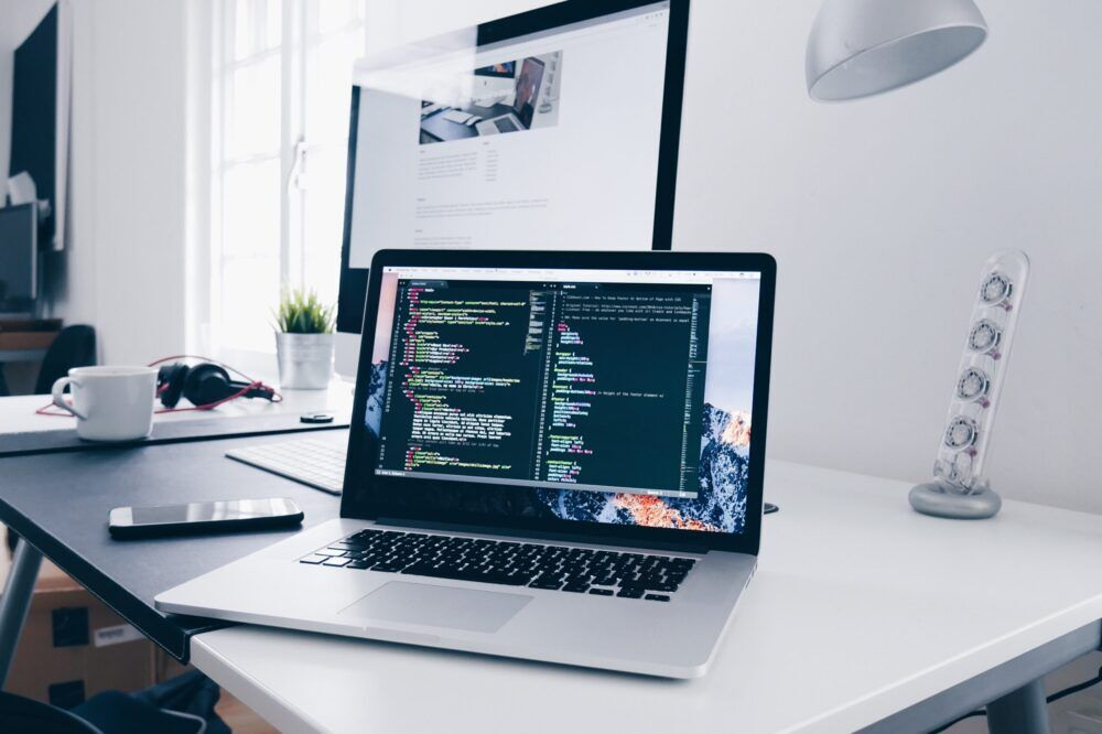 تعلم البرمجة: التعليم الجامعي وحده لايكفي
