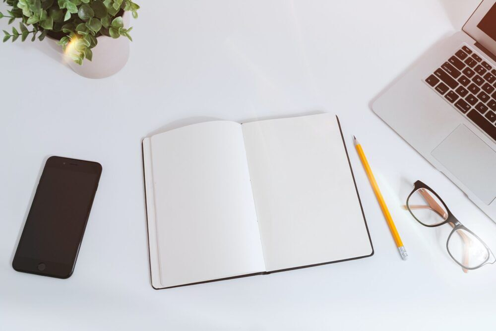 موقع مستقل: كيف يساعدك على العمل في مجال الكتابة؟