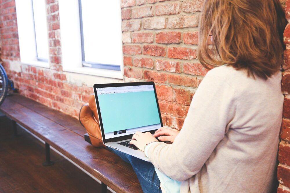 هل ستختفي المكاتب وتتسيّد ثقافة العمل عن بعد المشهد؟